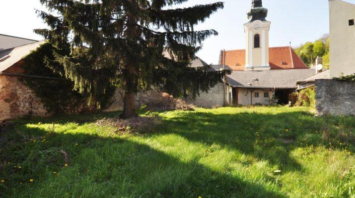 BAUTRÄGERGRUNDSTÜCK im Ortskern von Weidling/Klosterneuburg